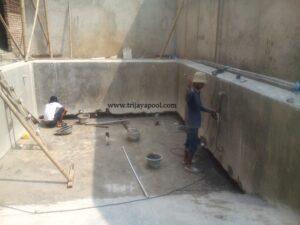 perbaikan kolam bocor
