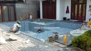 kolam renang Junaidi Saraswati 4