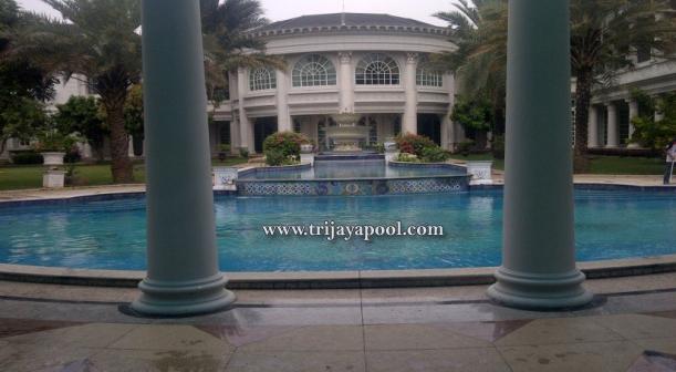 kolam-renang-Bukit-Golf-Pondok-Indah