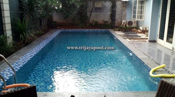 pembuatan kolam renang di rumah ibu nurul trijaya pool