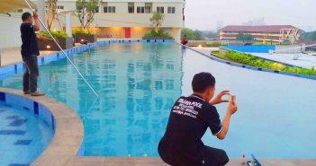 Pengecekan rutin kadar air kolam renang