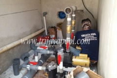 pemasangan-saluran-pompa-kolam-renang