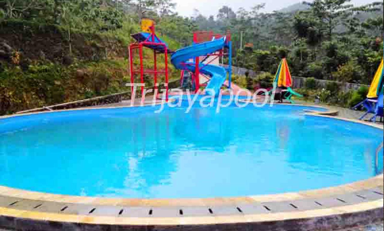 Kolam Renang Resort Di Gn. Batu Bogor